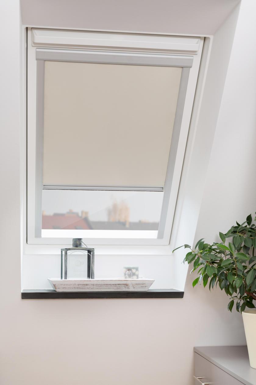 dachfensterrollo skylight thermo verdunkelung verdunklungsrollo velux ebay. Black Bedroom Furniture Sets. Home Design Ideas