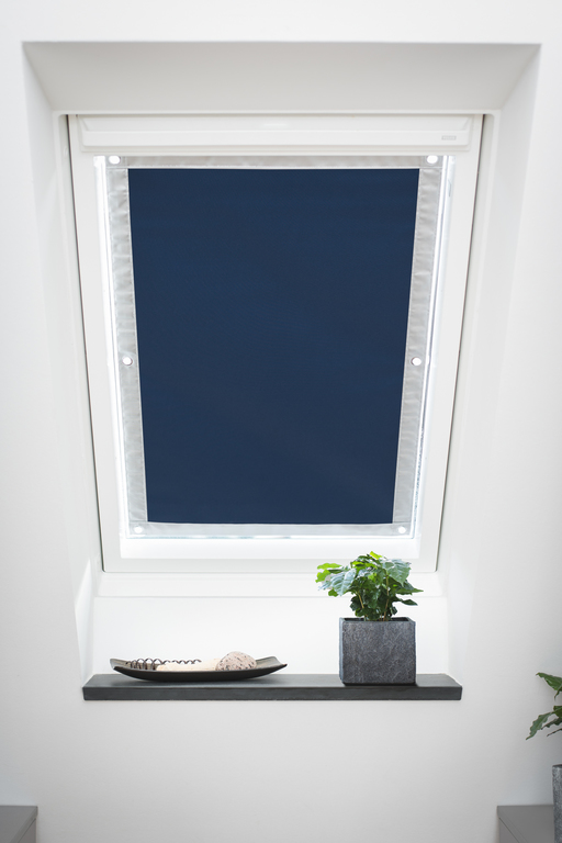 dachfenster verdunkelung mit saugn pfen ux24 kyushucon. Black Bedroom Furniture Sets. Home Design Ideas
